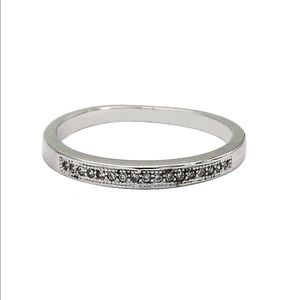 Fashion recessed small crystal ring